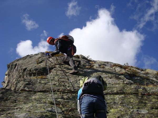 Klettersteig Montafon : Klettersteig beschreibung burg