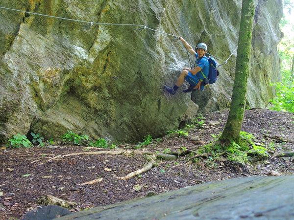 Klettersteig Griffen : Kletternd über griffen krone at